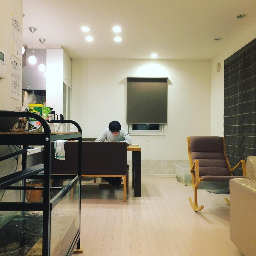 (1)ダイニングテーブルでの勉強はテレビの置き場所を考えて