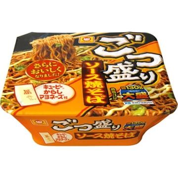 【送料無料】東洋水産 マルちゃん ごっつ盛りソース焼そば カップ 171g x 12
