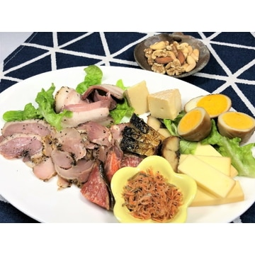 燻製屋チャコール (秋田)燻製10種詰合せ